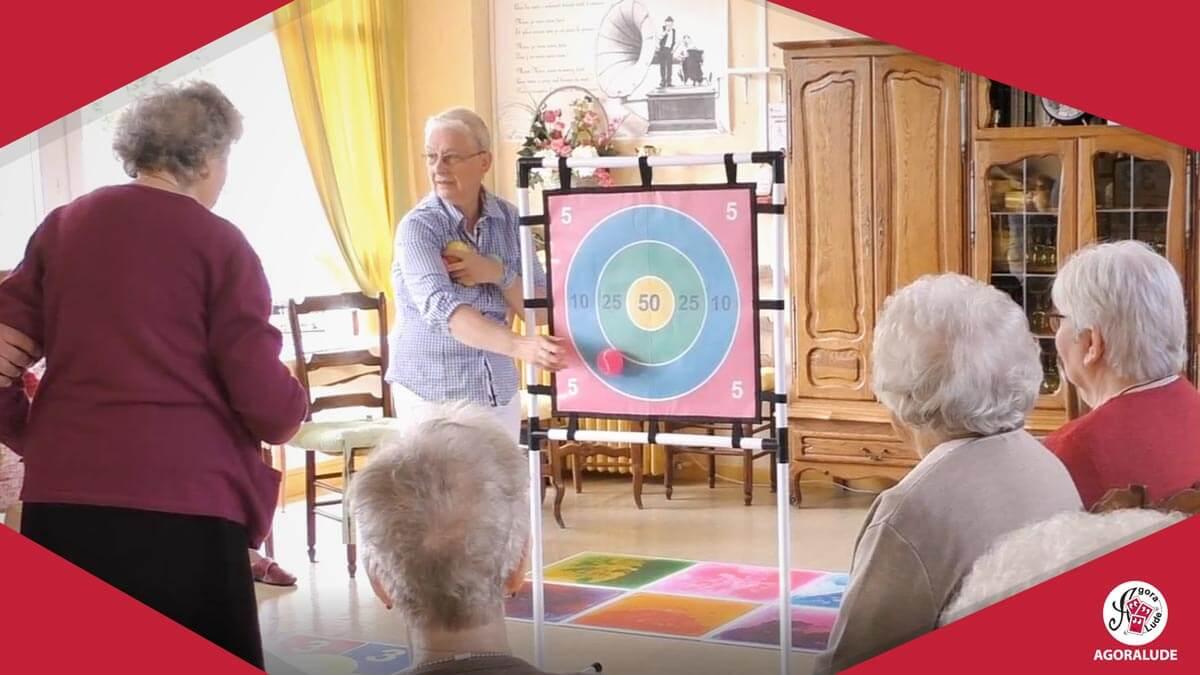 jeux et animation en maison de retraite adapt s aux personnes g es. Black Bedroom Furniture Sets. Home Design Ideas