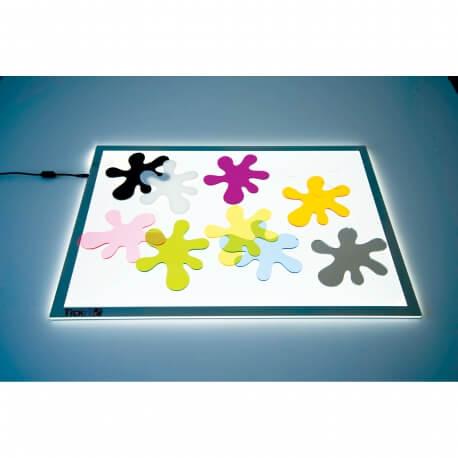 Table lumineuse - activité sensoriel sur les couleurs et les formes