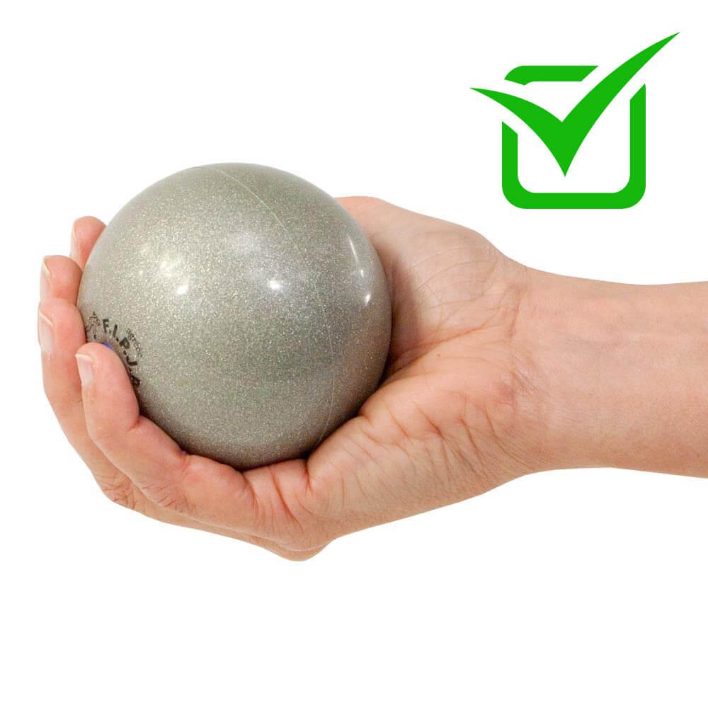Ni pétanque en acier, ni boule en plastique, ni boule molle : la boule d'intérieur