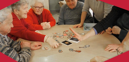 activité découverte de jeux en maison de retraite